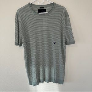NWT Abercrombie Featherweight T Shirt